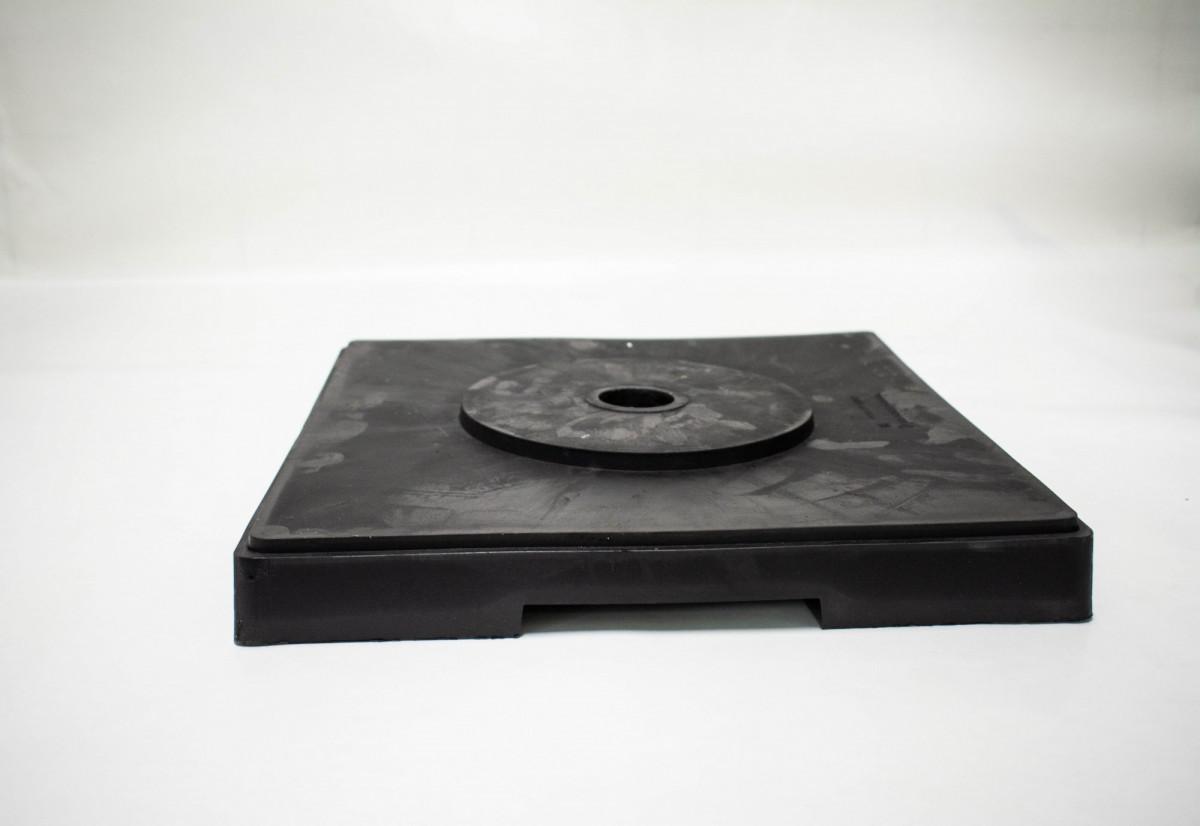 """Утяжелитель резиновый под веху d 45 мм и""""солдатик"""" (400*400*80мм)"""